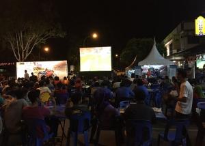 Football viewing at mamak